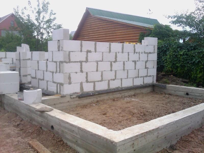 Кладка стен из газосиликатных блоков своими руками